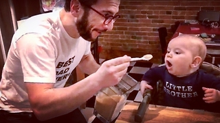 Dad Makes Baby Food for His Kid - Video