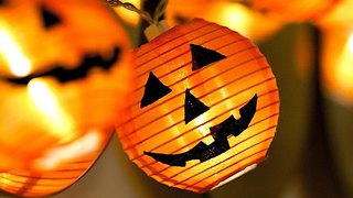 3 Last-Minute Halloween Ideas for Under a Dollar - Video