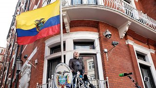 Ecuador Removes Extra Security At Embassy Where Julian Assange Lives - Video