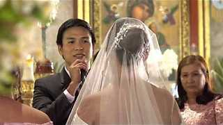 Groom Serenades Bride As She Walks Down The Aisle - Video