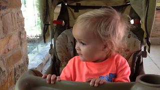 Baby Girl Thinks All Animals Are Puppies - Video