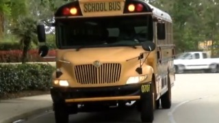 Lighthouse Elementary School does not give kindergarten kids a snack before lunch - Video