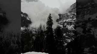 Avalanche Slowly Sweeps Towards Car in Switzerland - Video