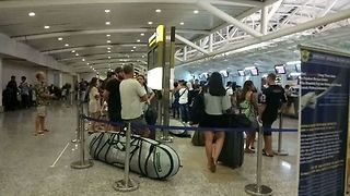 Bali Airport Reopens After Volcano Eruptions Force Two-Day Shutdown - Video