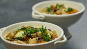 Slow Cooker Minestrone Soup - Video