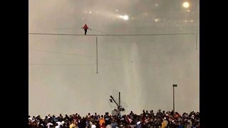 Tightrope Walk Over Niagara Falls - Video