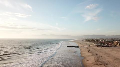 Hypnotizing drone footage of Venice Beach in California