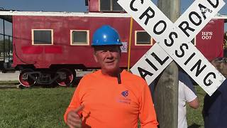 Old-fashioned Caboose arrives at Yesteryear Village - Video