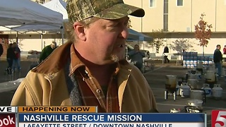 Nashville Rescue Mission Fries Turkeys For Thanksgiving - Video