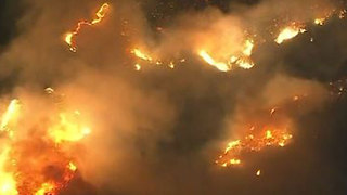 Anaheim residents devastated by wildfire - Video