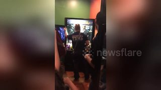 Florida boy gets stuck in arcade claw machine - Video