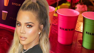 """Khloe Kardashian """"IT'S COMPLICATED"""" Cup Explained While Partying w/ Kendall In Mexico!"""