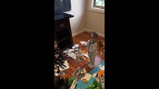 Naughty triplets making a mess caught red-handed by father - Video