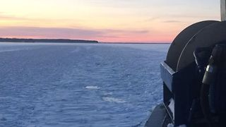 Ferry Breaks Ice on Lake Superior - Video