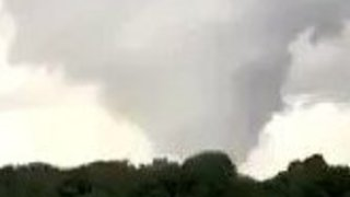 Possible Tornado Seen in Wilton Center, Illinois - Video