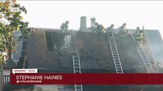 16 people displaced after 3 Milwaukee homes catch fire