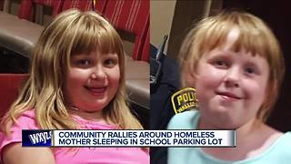 Police help homeless mom and daughters staying in school parking lot - Video