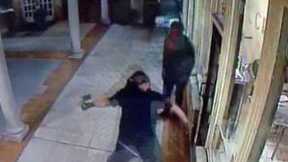 Failed smash & grab caught on camera - Video