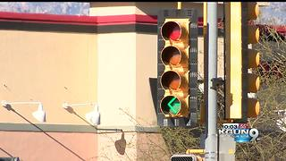 Campbell and Speedway traffic light change - Video
