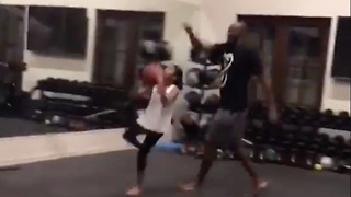 "Kobe Bryant Trains Daughter ""Mambacita"" for the WNBA - Video"