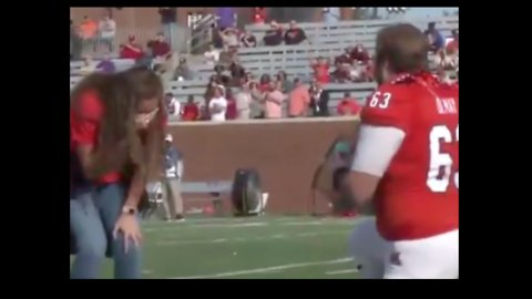 No Fumble Here: Georgia Football Player Proposes to Girlfriend Before Game