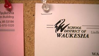 Waukesha School District votes for 'hybrid' learning model to start the school year