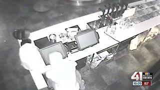 2 local ice cream shops robbed days apart - Video