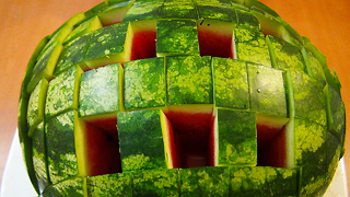 Food Life Hack: How to Cut a Watermelon to Eat - Video