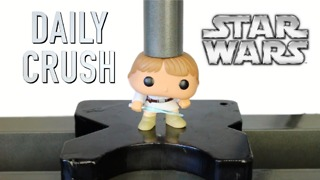 Hydraulic press crushes Luke Skywalker vinyl action figure - Video