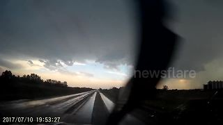 Supercell storm spotted in Estevan, Canada - Video