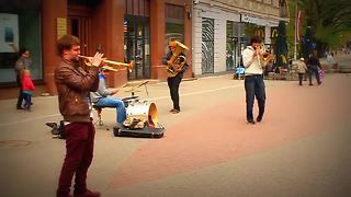 Street band from Latvia perform 'Dancing Queen' by ABBA  - Video