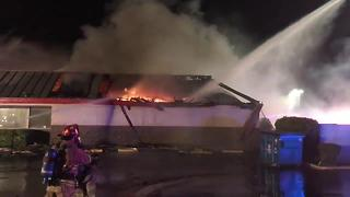 Denny's at Oracle and River catches fire overnight - Video