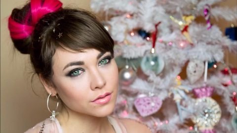 The perfect holiday look - Try out this makeup tutorial!