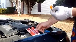 How to change your vehicle's turn signal bulb - Video