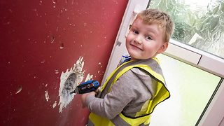 Forget watching bob the builder – This three year old's the real deal - Video