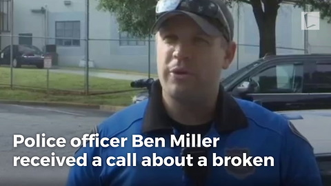 Cop Opens Wallet for Man with $6 in Pocket After He Runs Out of Gas in Road