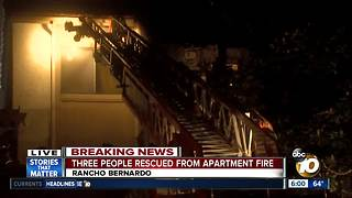 Three people rescue from Rancho Bernardo fire - Video
