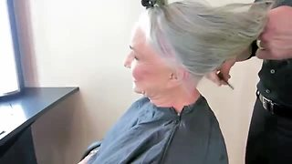 Mom Removes Her Makeup For The First Time In Public In Over 50 Years For A Makeover - Video