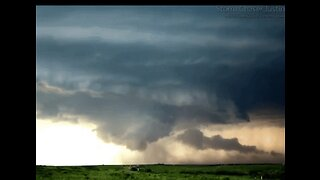 Timelapse Footage Shows Supercell Swirl Over Texas