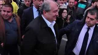 President Armen Sarkisian Visits Protesters, Speaks with Opposition Leader During Yerevan Rally - Video