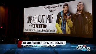 Kevin Smith visits the Old Pueblo