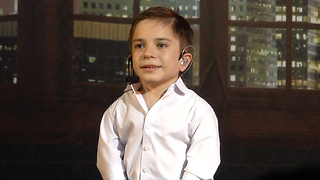 Daniel Pluzhnikov has very small stature, but great artist and singer talent - Video