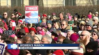 Hundreds turn out in Milwaukee for 2nd annual Women's March - Video