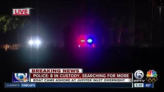 Police search for suspects after boat comes ashore in Jupiter - Video