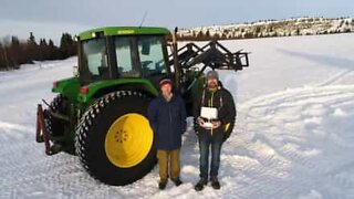 Norwegian farmer leaves an awesome Christmas message in the snow!