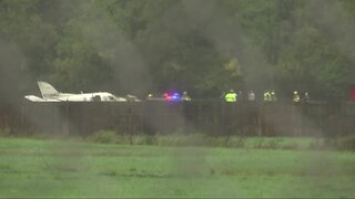 3 dead, 3 hurt in small plane crash near Lansing airport