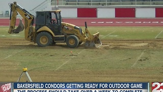 Condors start building outdoor ice rink at Bakersfield College - Video