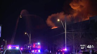 2 hurt as fire forces residents from KCMO apartment building