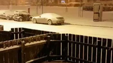 Belfast Gets Covering of Snow in Wake of Storm Caroline