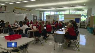 Students heading back to school in Appleton - Video